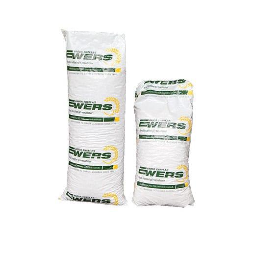 2 sække med Ewers træpiller, 1 x 10 kg og 1 x 15 kg